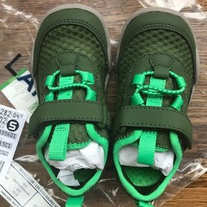 Lands' End Kids Water shoes BRAND NEW size 9